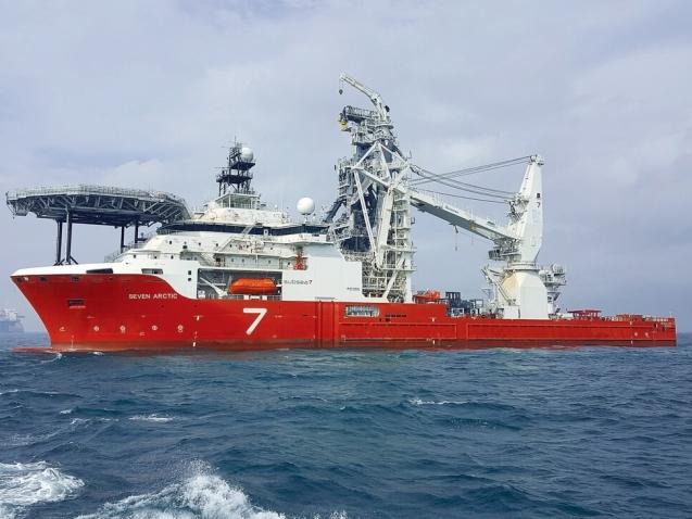 heavy_construction_vessel_Seven_Arctic